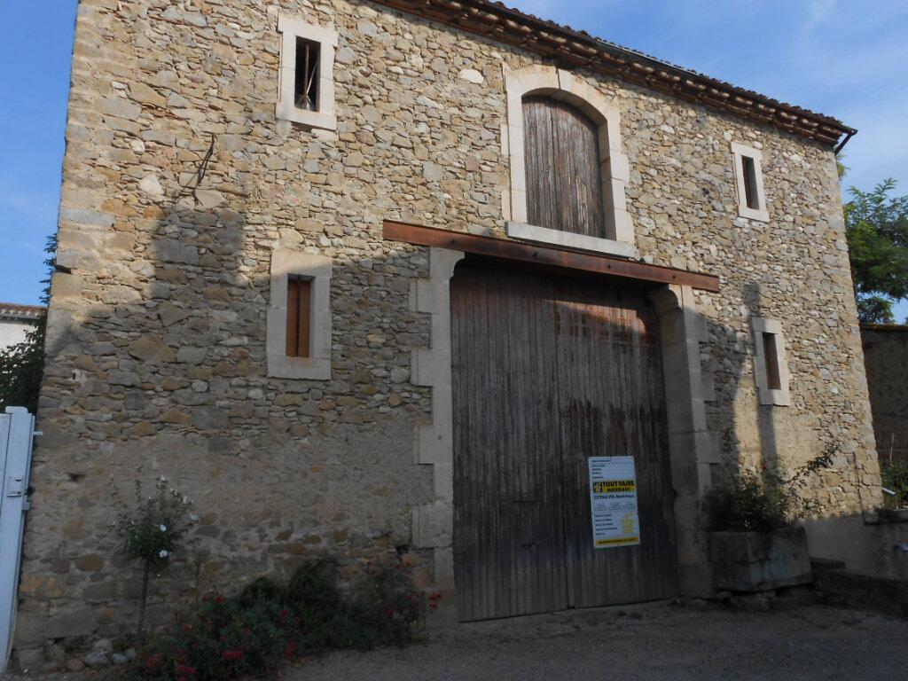 Maison à vendre 2 250m2 à Saint-Hilaire vignette-1