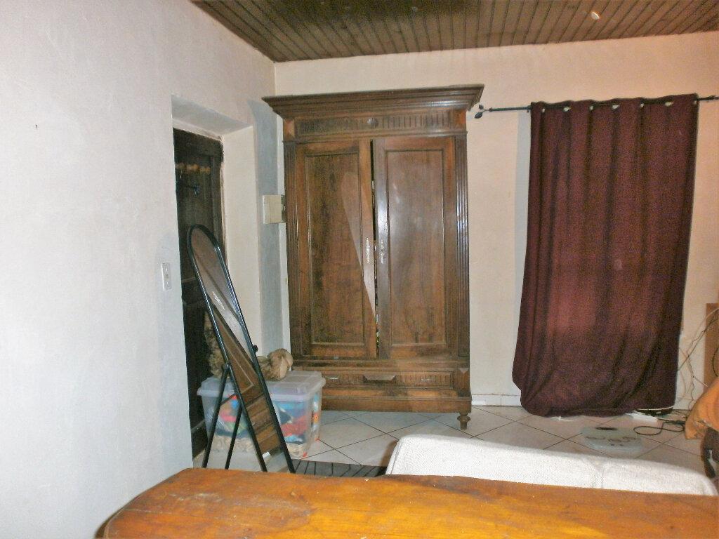 Maison à vendre 7 233m2 à Saissac vignette-11