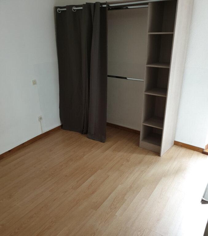 Appartement à louer 2 30m2 à Laure-Minervois vignette-3
