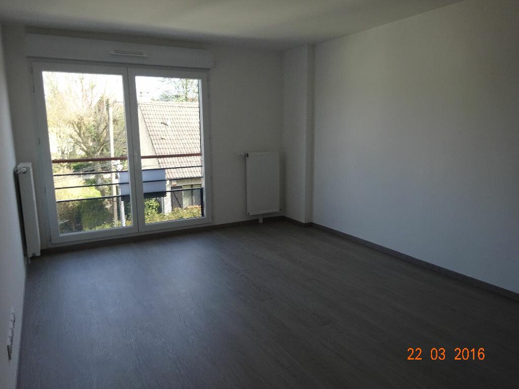 Appartement à louer 3 60.14m2 à Lagny-sur-Marne vignette-3