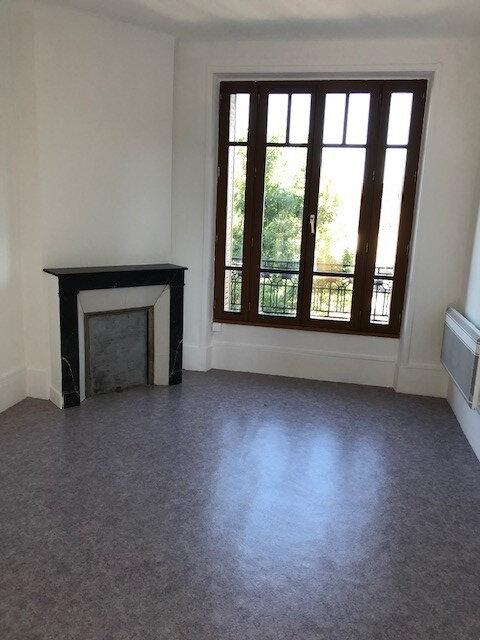 Appartement à louer 2 34.13m2 à Vaires-sur-Marne vignette-1