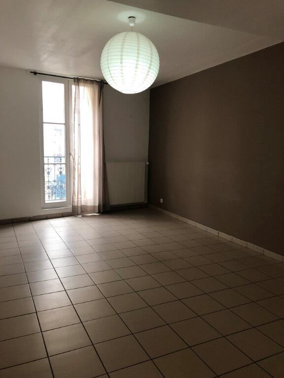 Appartement à louer 3 60.79m2 à Lagny-sur-Marne vignette-2