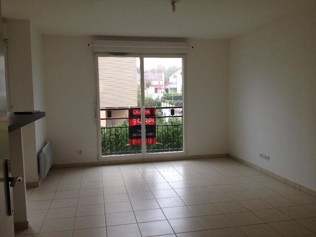 Appartement à louer 2 47.33m2 à Ferrières-en-Brie vignette-1
