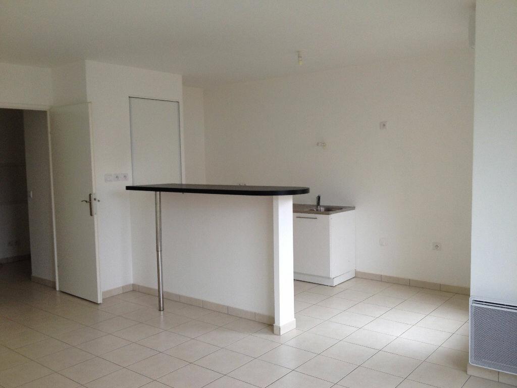 Appartement à louer 2 47.33m2 à Ferrières-en-Brie vignette-2