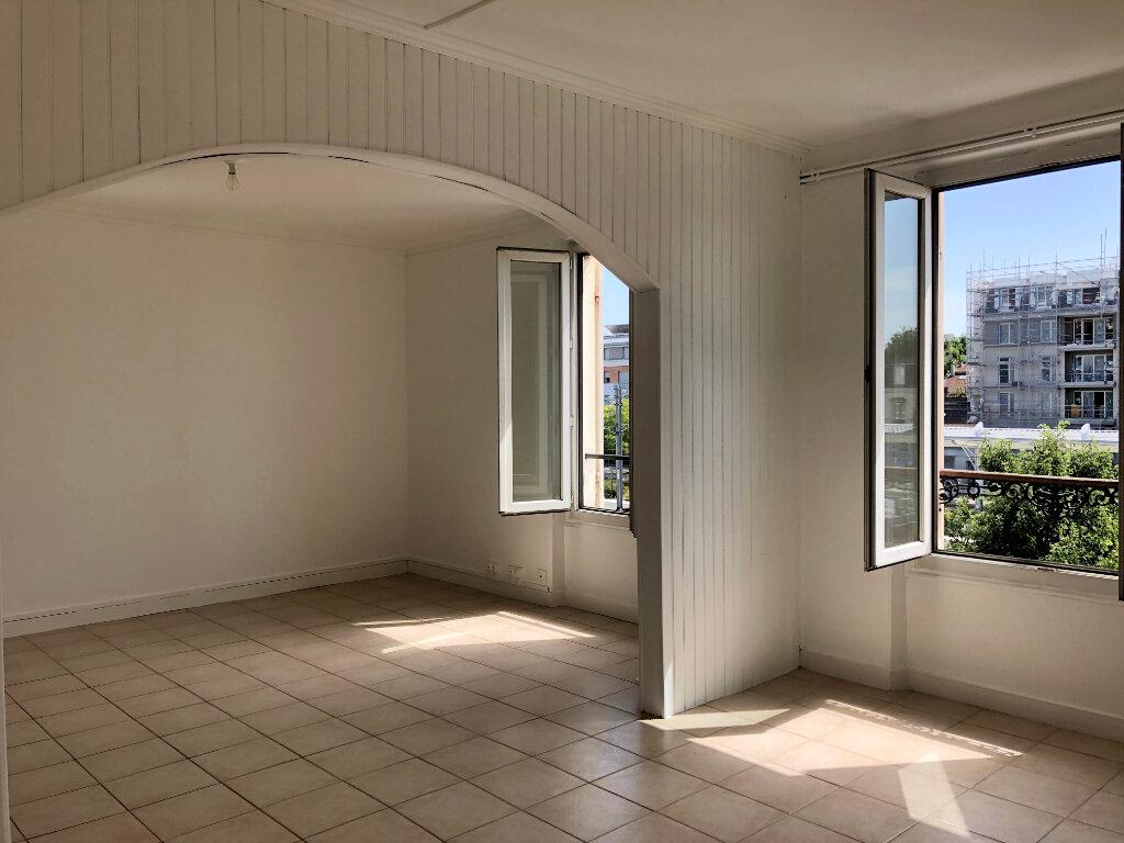 Appartement à louer 2 51.58m2 à Thorigny-sur-Marne vignette-1