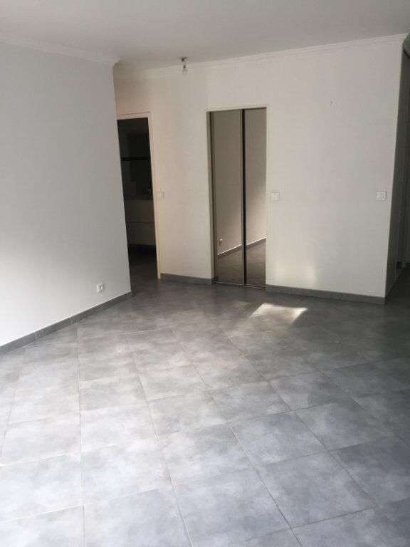 Appartement à louer 2 49.81m2 à Brou-sur-Chantereine vignette-2