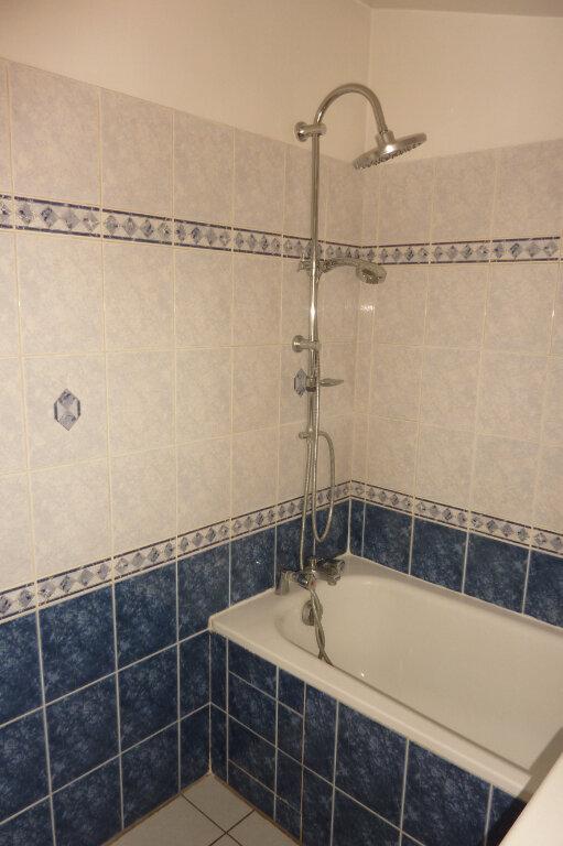 Appartement à louer 2 42.07m2 à Vaires-sur-Marne vignette-3
