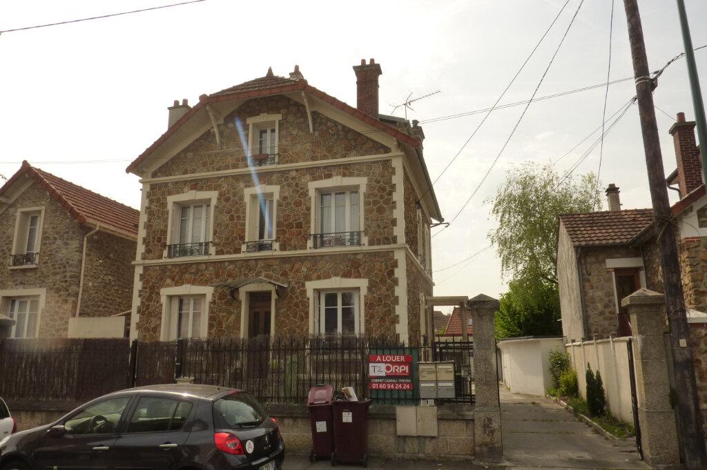 Appartement à louer 2 42.07m2 à Vaires-sur-Marne vignette-4