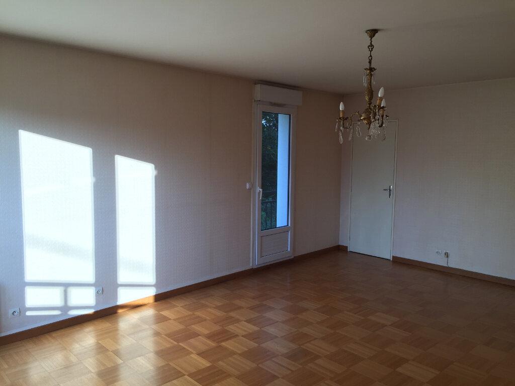 Appartement à louer 3 83.03m2 à Lagny-sur-Marne vignette-2