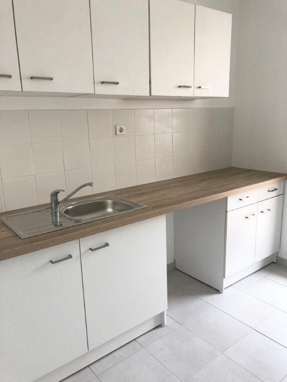Appartement à louer 2 50.43m2 à Vaires-sur-Marne vignette-3