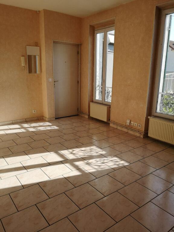 Appartement à louer 3 51.61m2 à Saint-Thibault-des-Vignes vignette-2