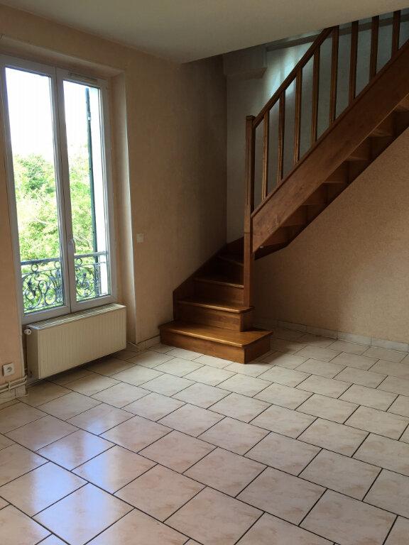 Appartement à louer 3 51.61m2 à Saint-Thibault-des-Vignes vignette-3