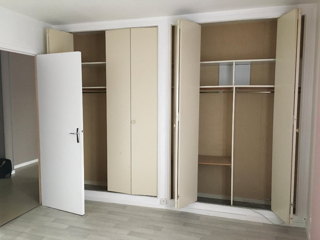 Appartement à louer 2 42.74m2 à Montévrain vignette-4