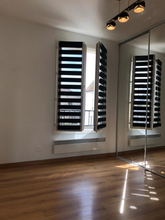 Appartement à louer 3 67.86m2 à Vaires-sur-Marne vignette-5