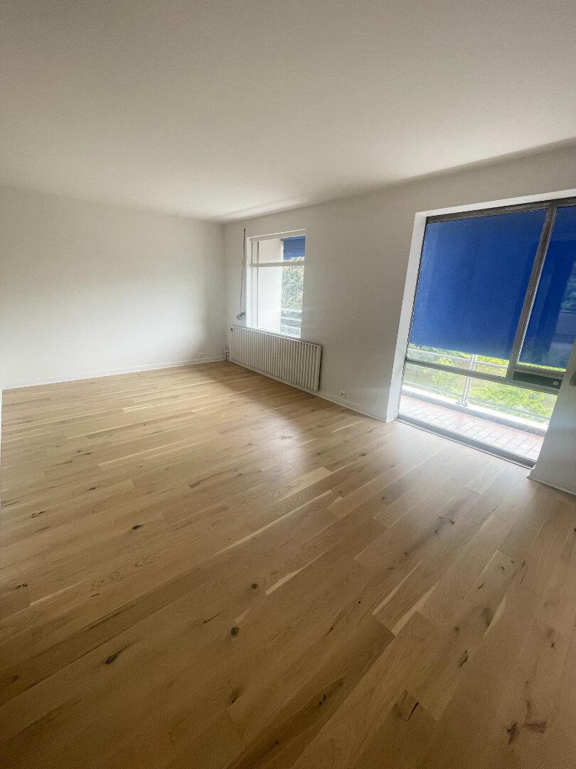 Appartement à louer 5 92.59m2 à Vaires-sur-Marne vignette-5