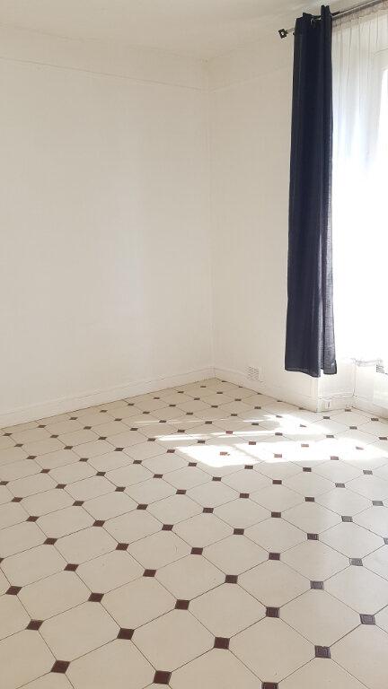 Appartement à louer 1 28.46m2 à Thorigny-sur-Marne vignette-1