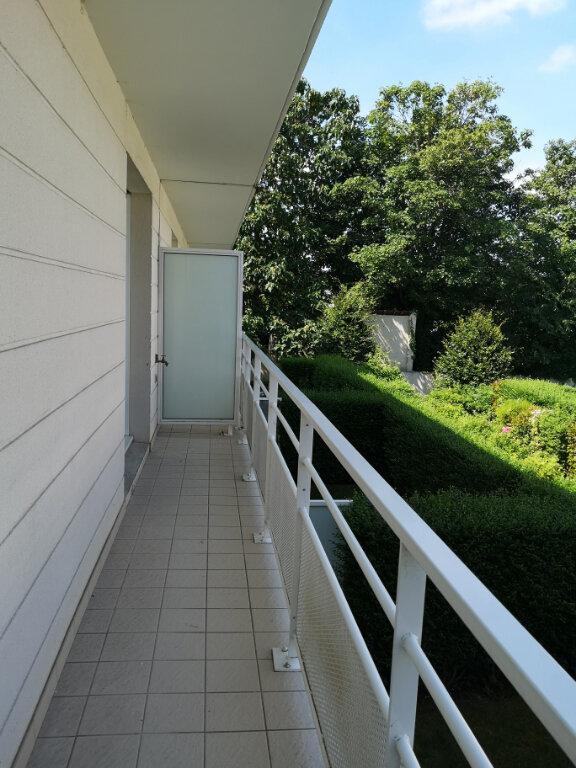 Appartement à louer 3 57.9m2 à Lagny-sur-Marne vignette-2