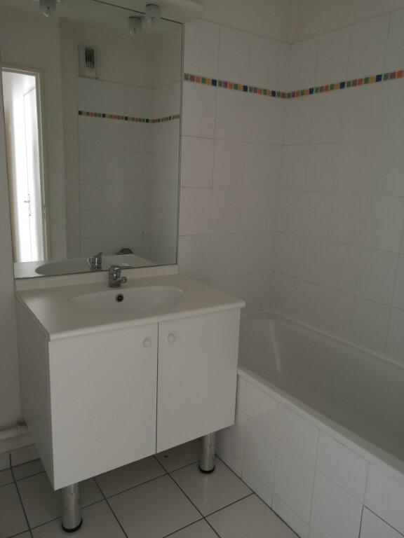 Appartement à louer 3 57.9m2 à Lagny-sur-Marne vignette-6