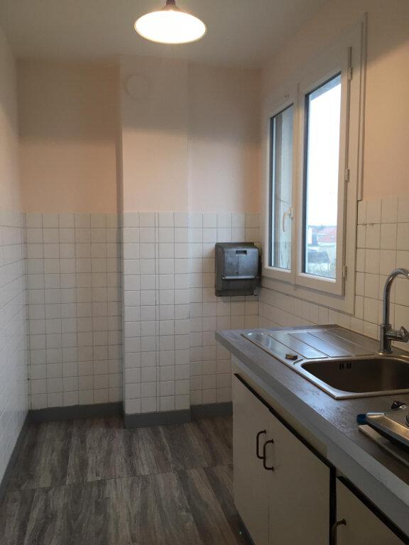 Appartement à louer 1 29m2 à Saint-Maur-des-Fossés vignette-3