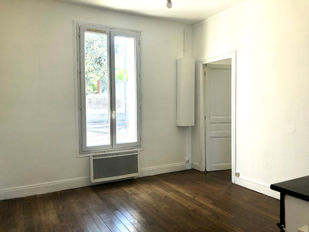 Appartement à louer 3 47.62m2 à Torcy vignette-1