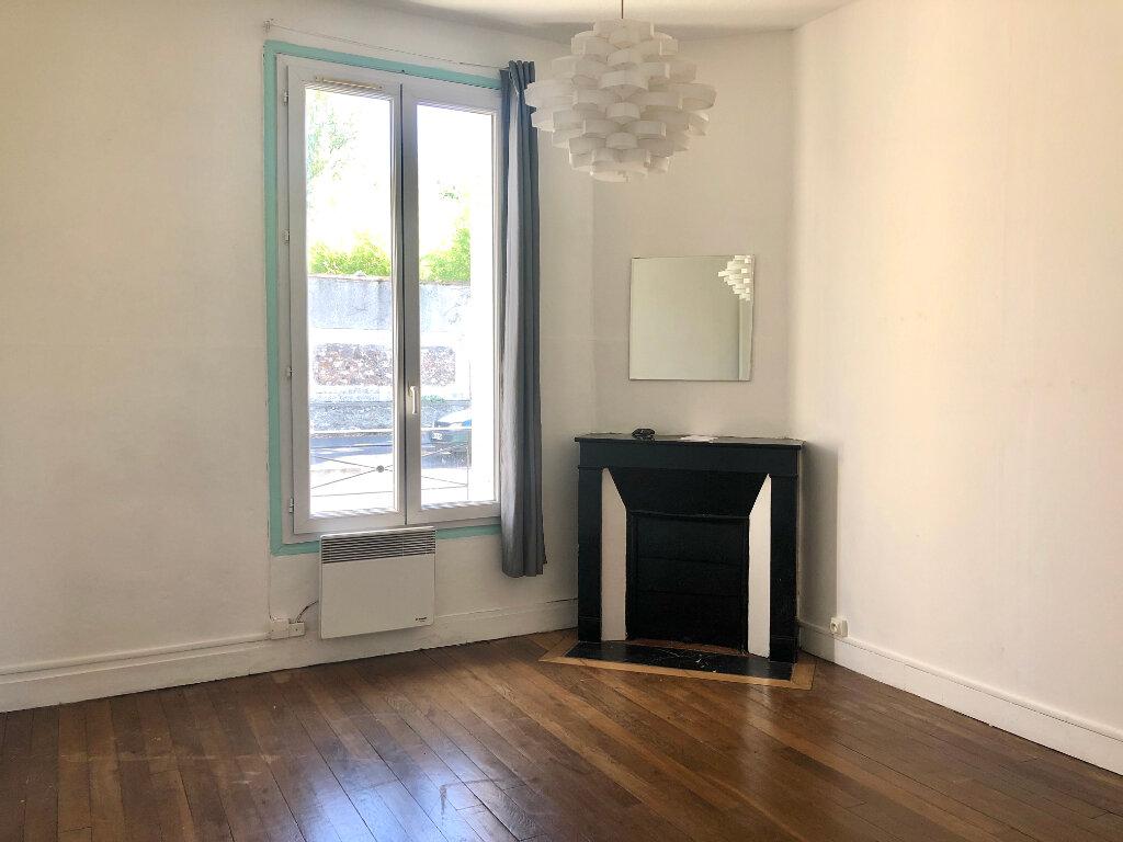 Appartement à louer 3 47.62m2 à Torcy vignette-3