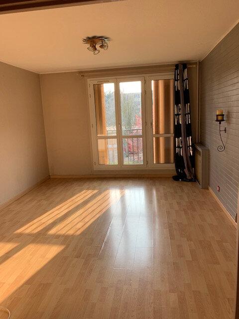 Appartement à louer 3 63m2 à Brou-sur-Chantereine vignette-1