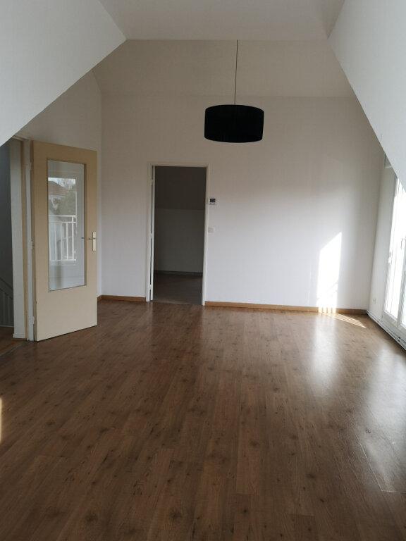 Appartement à louer 3 68.08m2 à Gournay-sur-Marne vignette-3