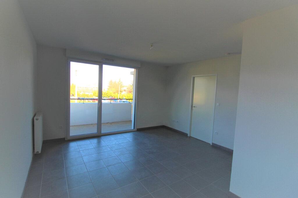 Appartement à louer 2 40m2 à Mondonville vignette-3