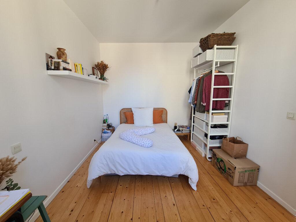 Appartement à louer 3 55.58m2 à Bordeaux vignette-4