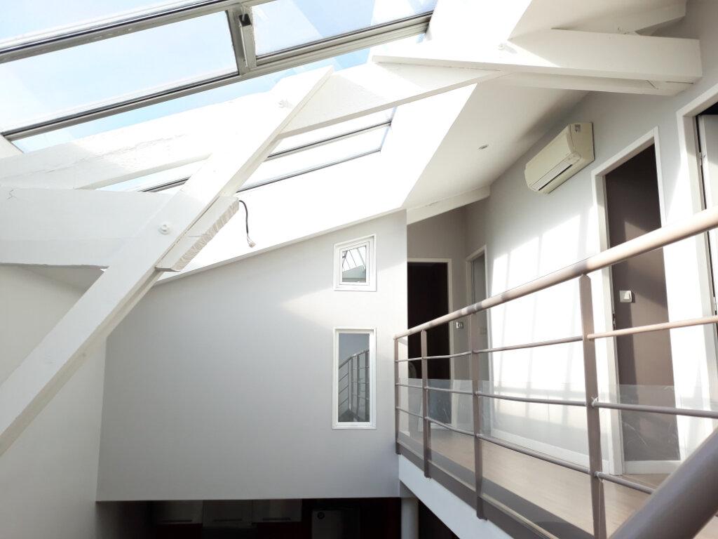Appartement à vendre 5 144.82m2 à Bordeaux vignette-1