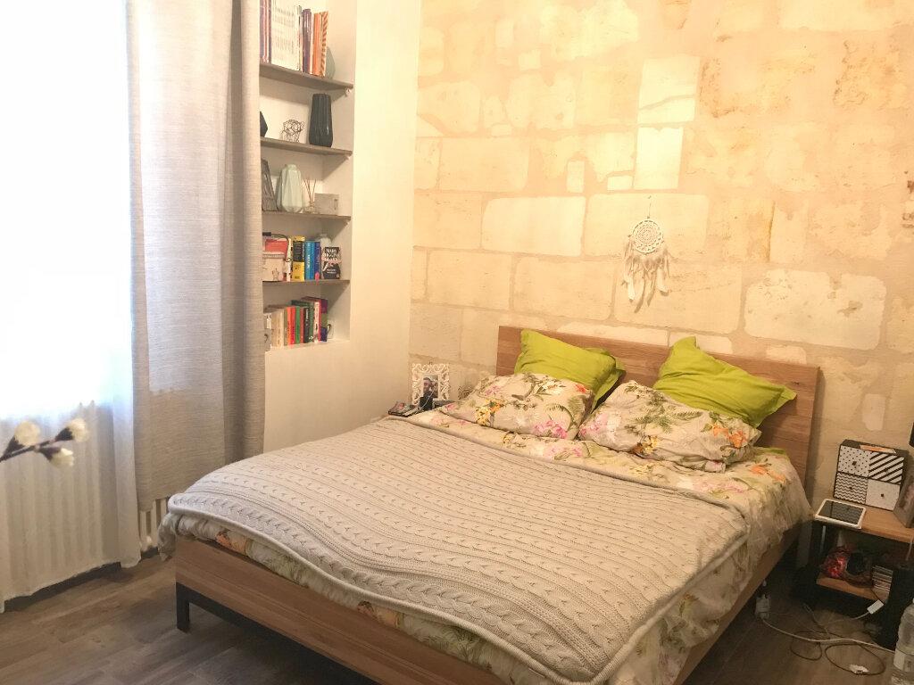 Appartement à louer 3 50.19m2 à Bordeaux vignette-2