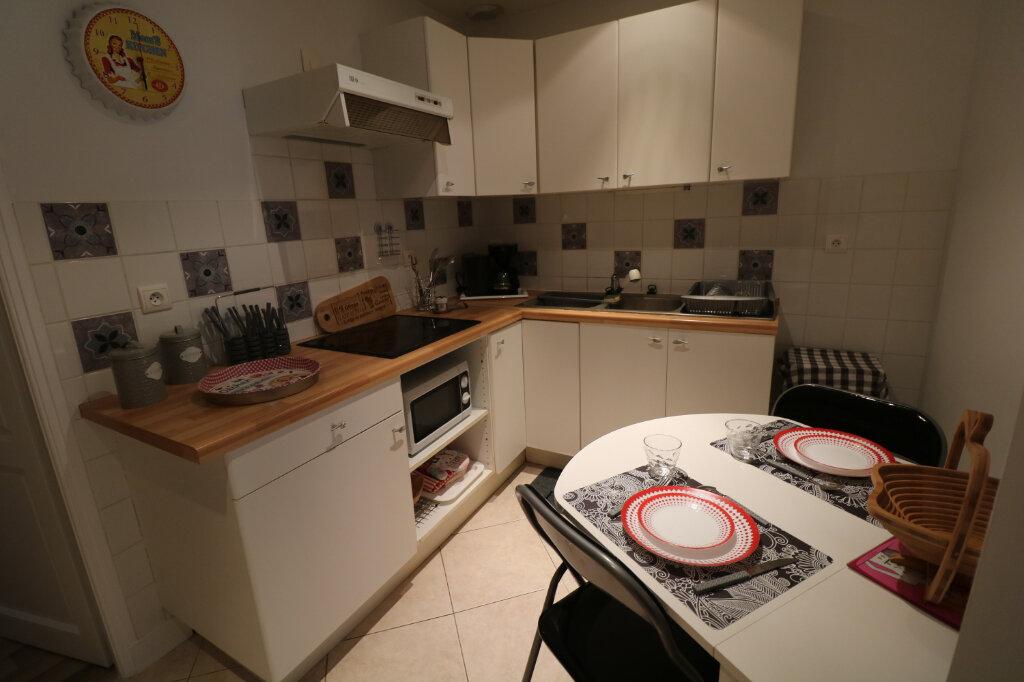 Appartement à louer 3 60m2 à Bordeaux vignette-2