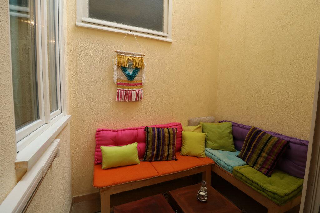 Appartement à louer 3 60m2 à Bordeaux vignette-3