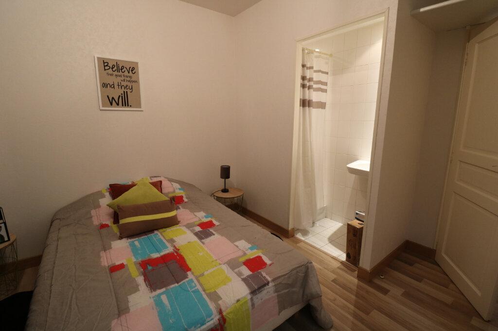 Appartement à louer 3 60m2 à Bordeaux vignette-4