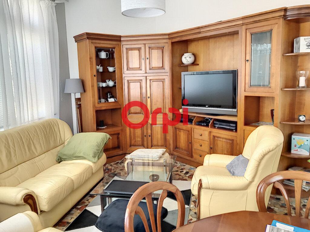Appartement à louer 2 70m2 à Bordeaux vignette-2