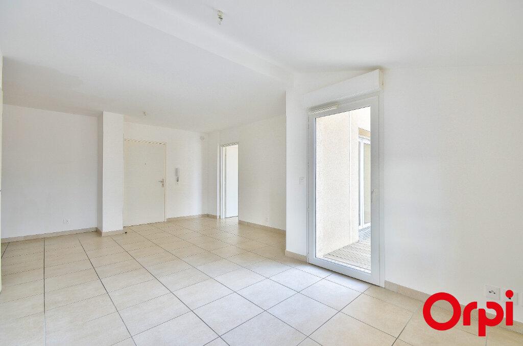 Appartement à louer 3 53.1m2 à Miramas vignette-3