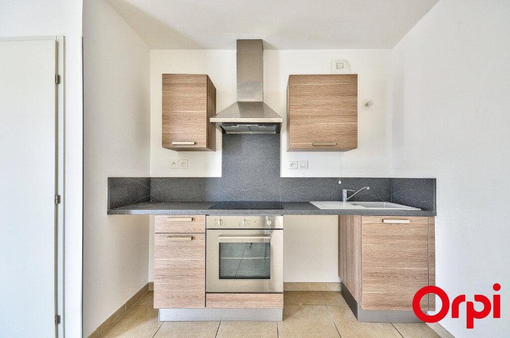 Appartement à louer 3 53.1m2 à Miramas vignette-6