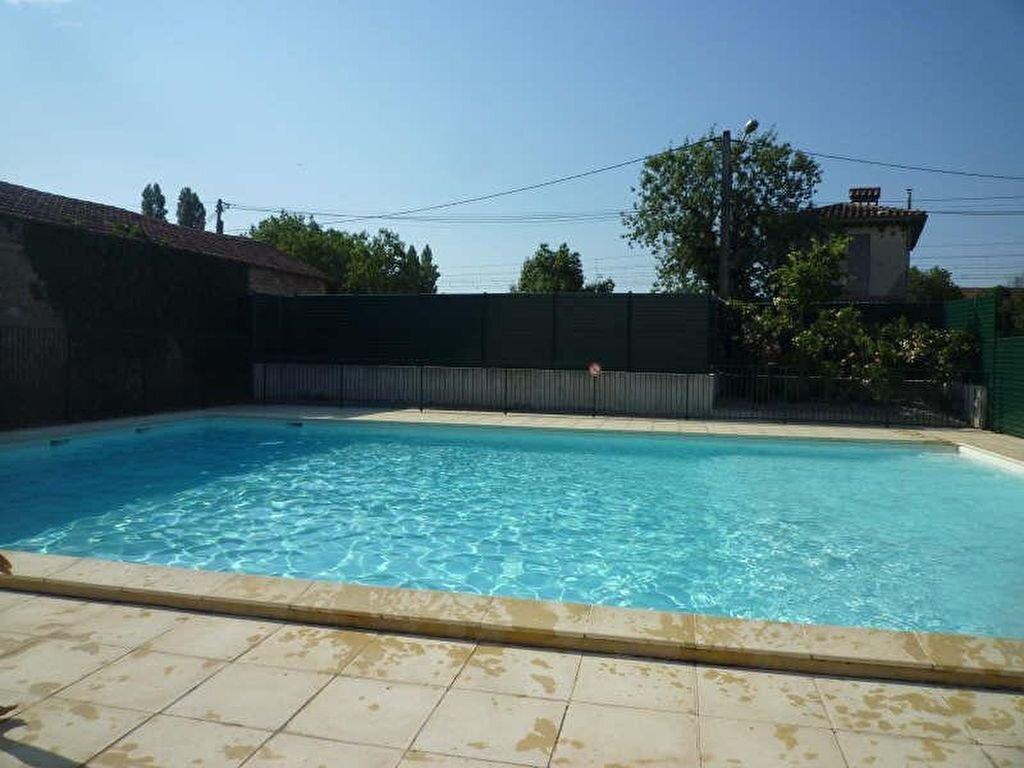 Appartement à louer 3 55.22m2 à Miramas vignette-1