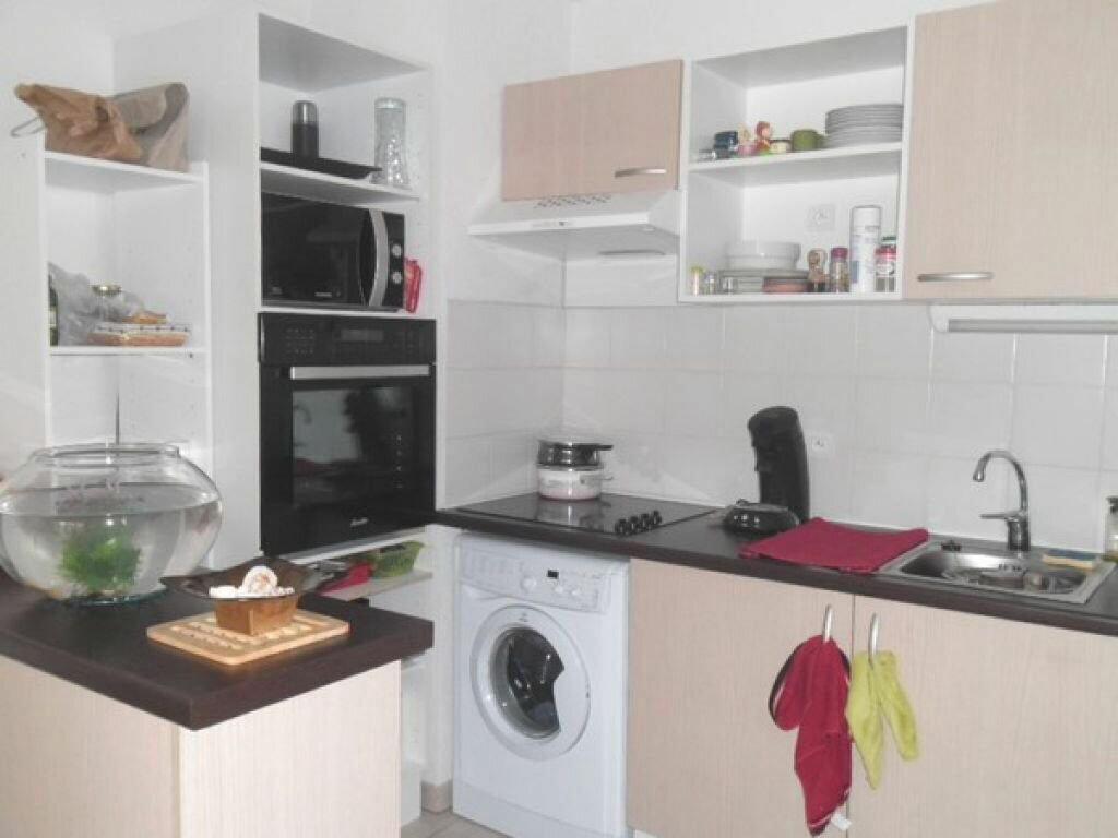 Appartement à louer 3 55.22m2 à Miramas vignette-2