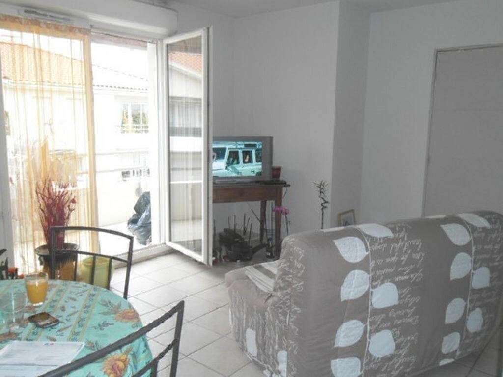 Appartement à louer 3 55.22m2 à Miramas vignette-4