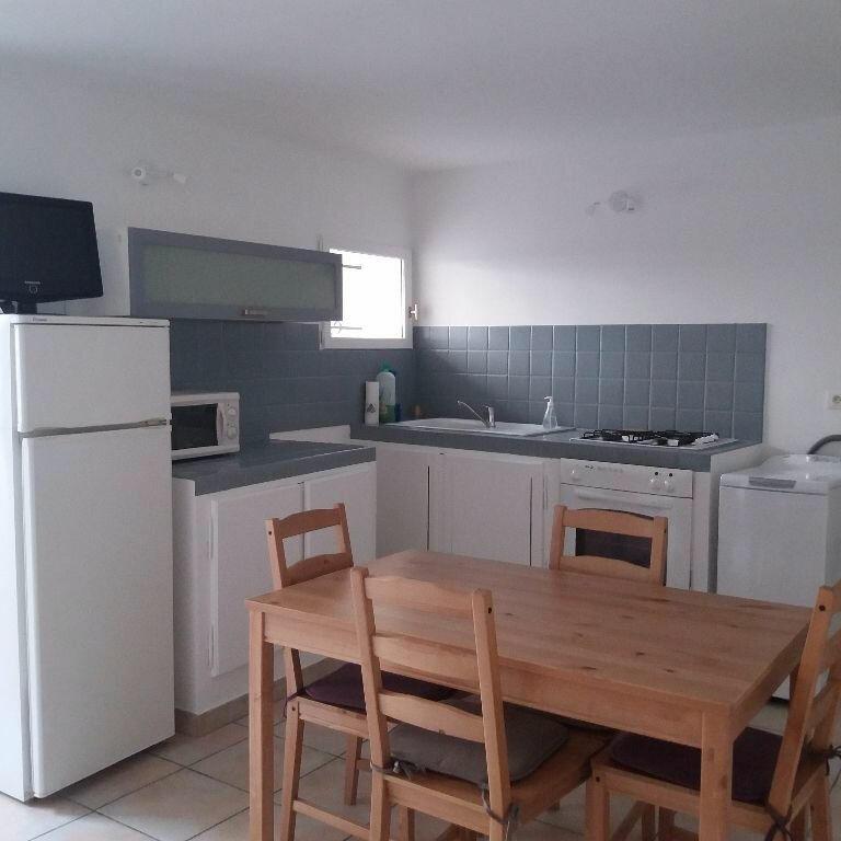 Appartement à louer 2 42.51m2 à Istres vignette-1