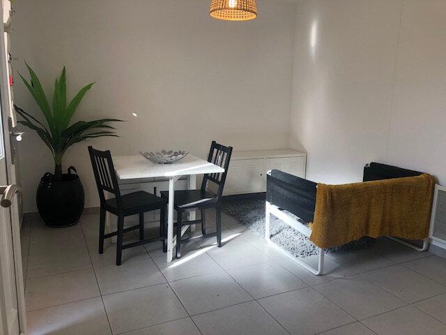 Appartement à louer 2 28.18m2 à Istres vignette-1
