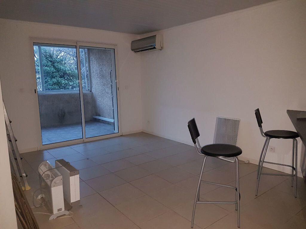 Appartement à louer 2 44m2 à Istres vignette-6