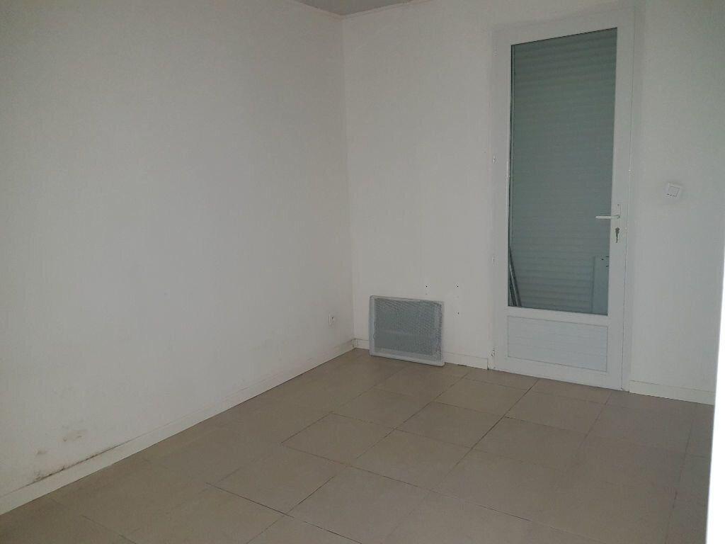 Appartement à louer 2 44m2 à Istres vignette-9