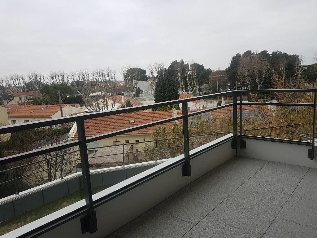 Appartement à louer 2 37.9m2 à Istres vignette-1