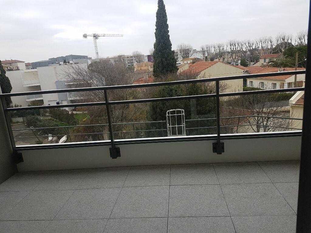 Appartement à louer 2 37.9m2 à Istres vignette-2