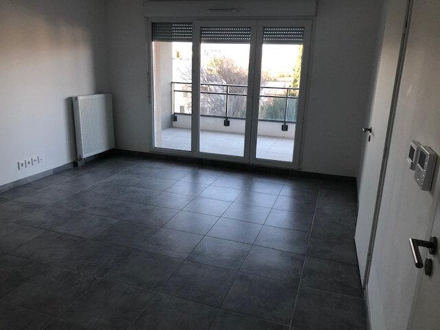 Appartement à louer 2 37.9m2 à Istres vignette-4