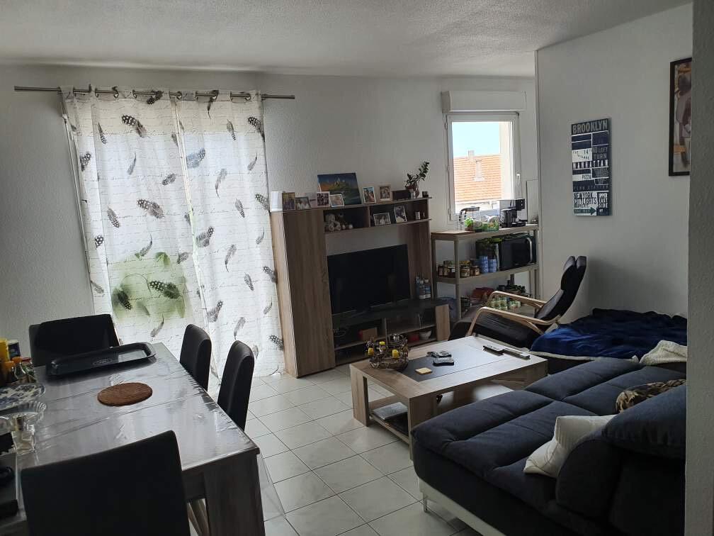 Appartement à louer 2 56m2 à Miramas vignette-1