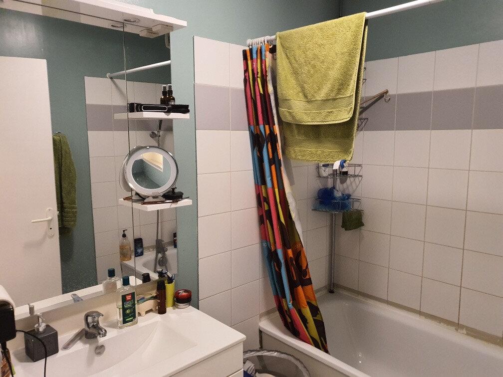 Appartement à louer 2 56m2 à Miramas vignette-2
