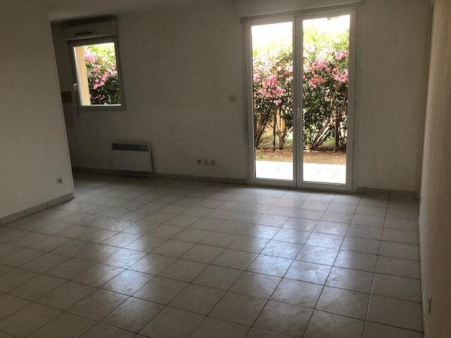 Appartement à louer 2 56.18m2 à Miramas vignette-3